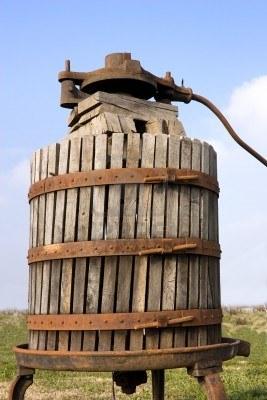 Eski-üzüm presleme-makinası
